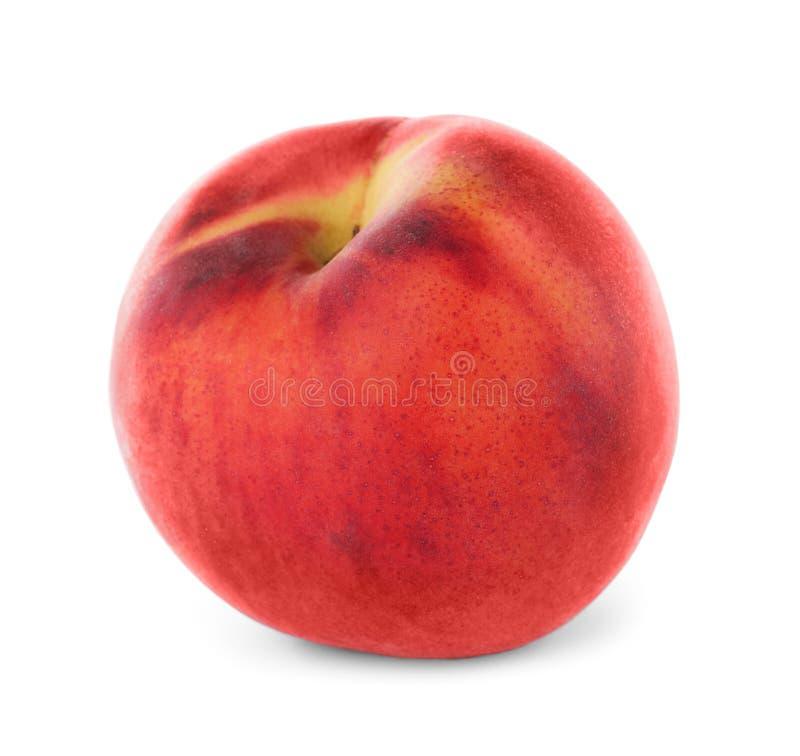 Isolerad läcker mogen söt persika royaltyfri foto