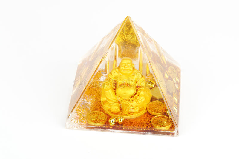 isolerad pyramid royaltyfri foto