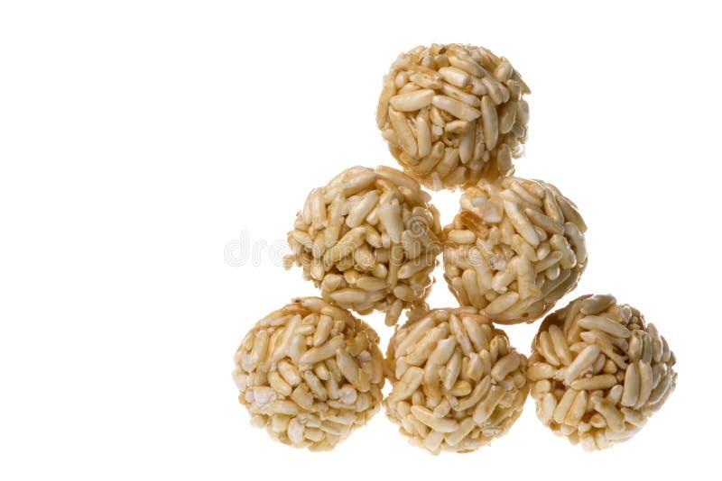 isolerad rice för bollar smällare royaltyfria foton