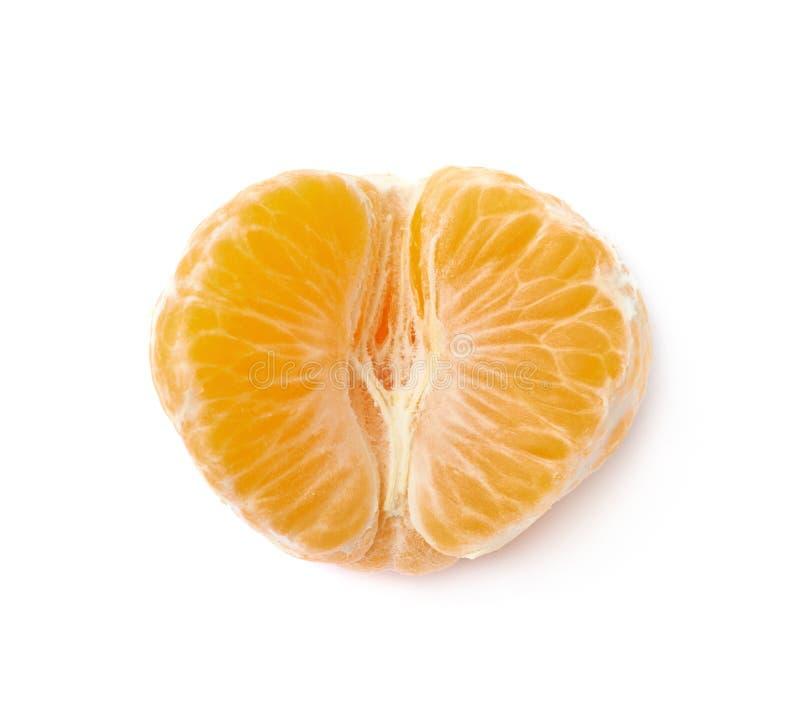 Isolerad skalad tangerin royaltyfri fotografi