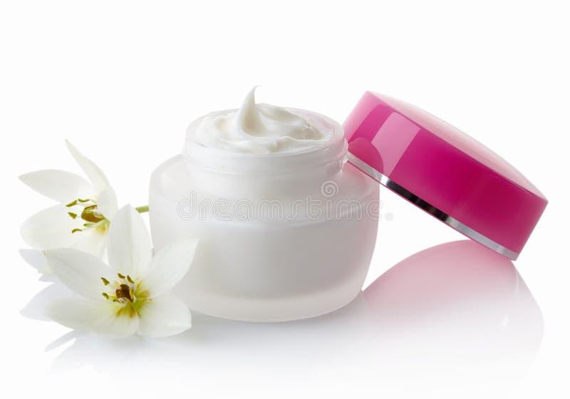 isolerad white för cosmetic kräm royaltyfria bilder