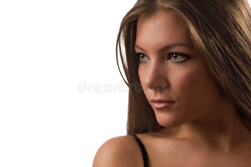 isolerade den gulliga flickan för brunetten ståendebarn royaltyfria foton
