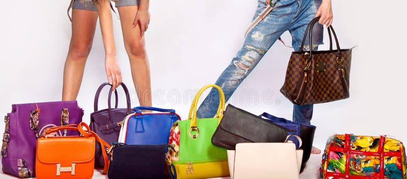 Isolerade läderhandväskor royaltyfria bilder