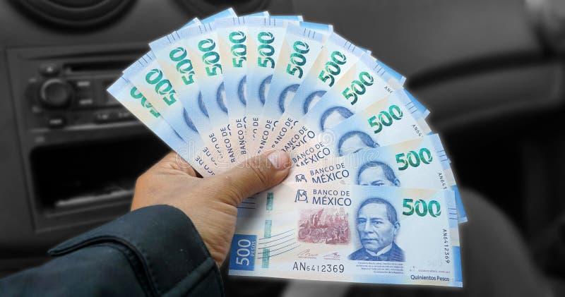 Isolerade mexicanska nya räkningar royaltyfri fotografi