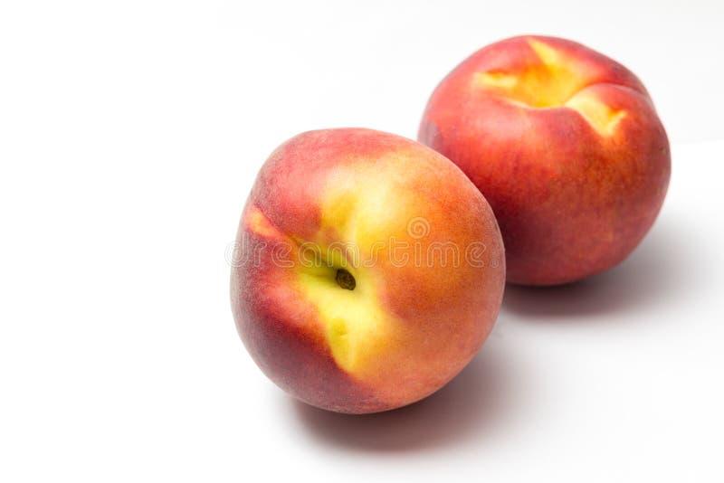 Isolerade persikor royaltyfria bilder