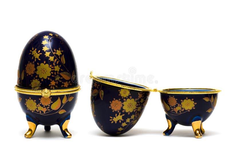 isolerade smycken för ask ägg arkivbild