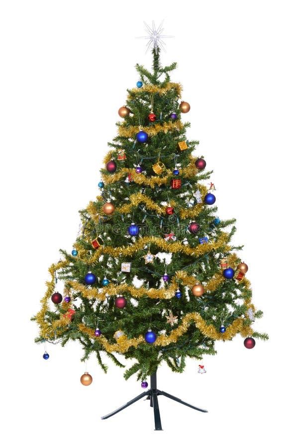 Isolerat dekorerat julträd royaltyfri foto