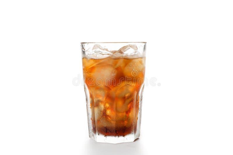 Isolerat exponeringsglas av kall cola arkivbilder