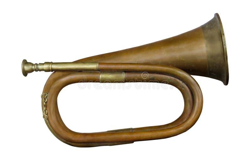 Isolerat gammalt militärt horn royaltyfri bild