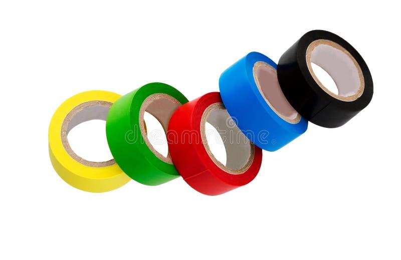 Isolierband lokalisiert auf Weiß Stellen Sie vom unterschiedlichen Farbisolierband ein stockfotografie