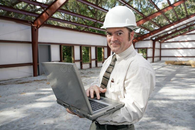 Ispettore della costruzione in linea immagini stock libere da diritti