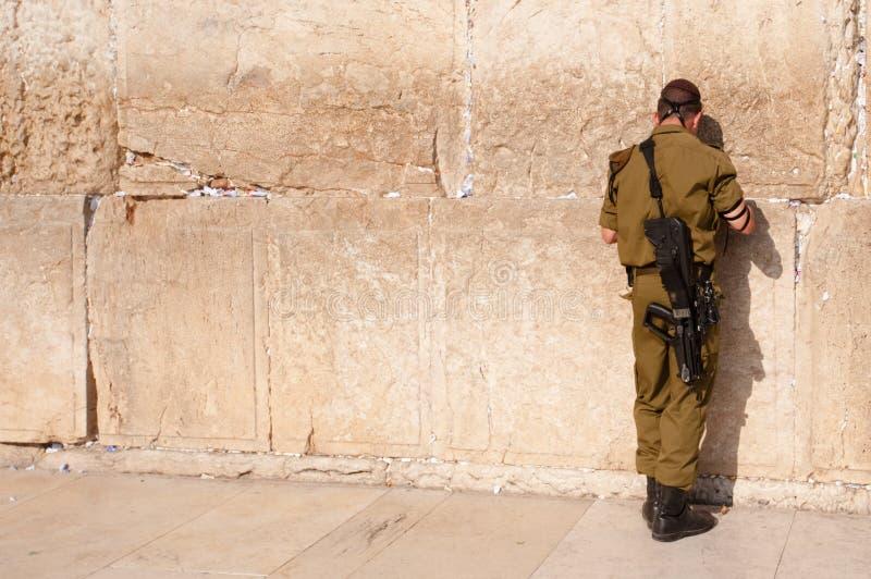Israëlische Militair bij Westelijke Muur stock foto
