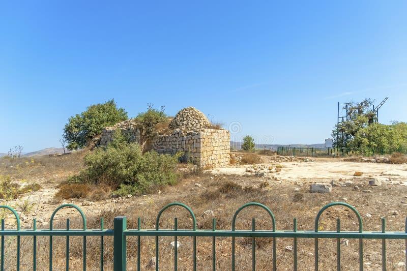 Israel Bethel Vista del punto oficialmente identificado la roca del sueño de Jacobs en Bethel según lo descrito en la génesis 28- fotos de archivo libres de regalías