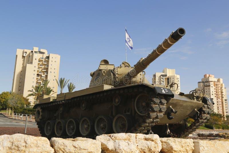 Israel Defense Forces Merkava behållare i ett minne av den stupade tjänstemannen från den Golani brigaden i öl Sheva arkivfoton