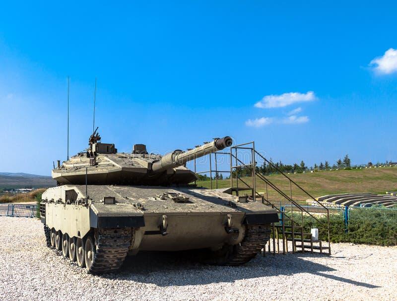 Israel gjorde den Merkava Mk för behållaren för den huvudsakliga striden droppen Latrun Israel royaltyfri bild