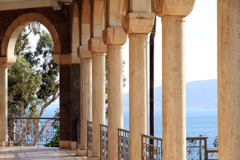 Israel hav av Galilee, kyrkan av Beatitudes royaltyfri foto
