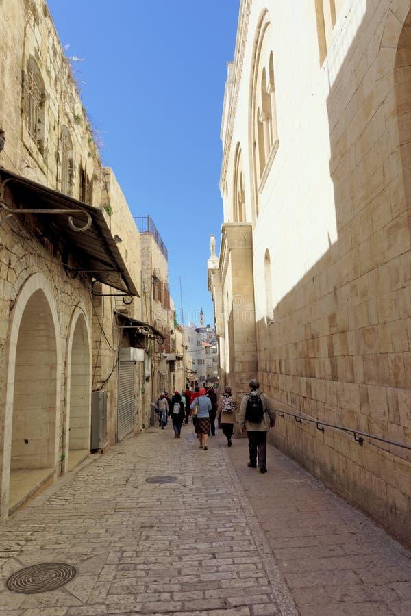 israel Jerusalem - Luty 19 2017 Wąska ulica w Starym mieście w Jerozolima obraz stock