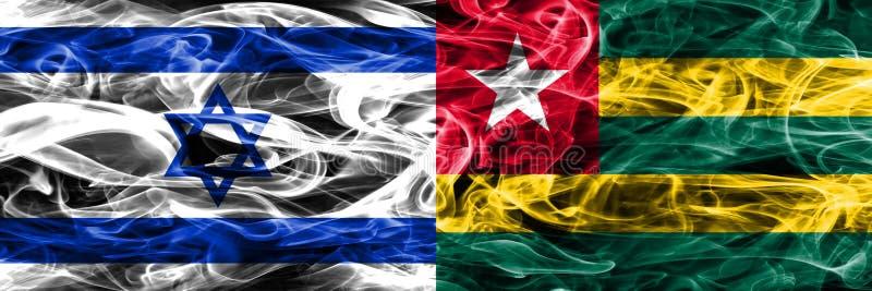 Israele contro le bandiere del fumo del Togo disposte parallelamente Israeliano ed il Togo royalty illustrazione gratis