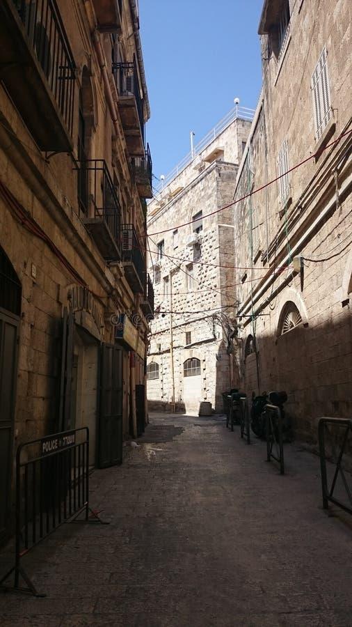 Israele, Gerusalemme, vie di pietra un chiaro giorno immagine stock