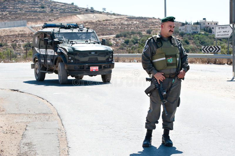 Download Israeli Border Police Soldier Editorial Stock Image - Image: 20909179