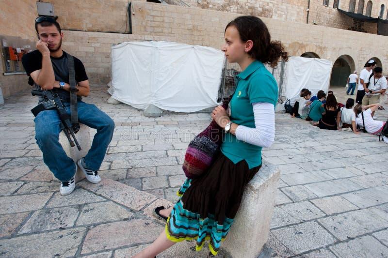 Israeli e assalto abundantes na parede ocidental imagens de stock