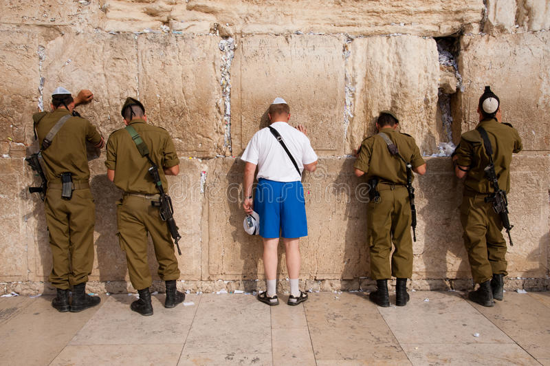 Download Israeli Soldiers At Jerusalem's Western Wall Editorial Image - Image: 28331070