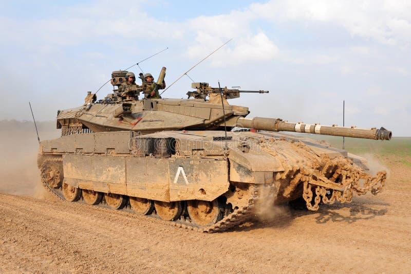 IsraelIDF-behållare - Merkava royaltyfri bild