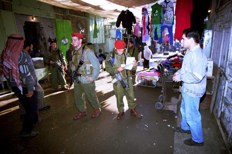 ISRAELISCHE ARMEE AUF DEM WESTJORDANLAND stockbild