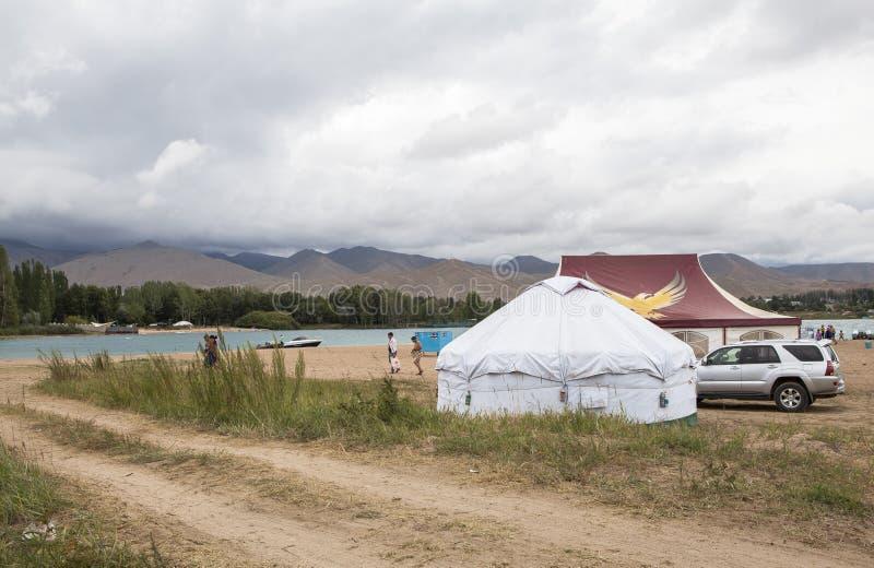 Issyk Kul湖Yurt在吉尔吉斯斯坦 库存图片