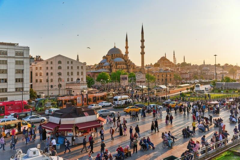 ISTAMBUL, TURQUÍA 7 DE MAYO DE 2016: Opinión urbana del paisaje hermoso, ci fotos de archivo