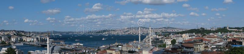 Istambul, Turquia - chamou igualmente Karakoy ou Pera, o distrito de Galata apresenta ainda hoje uma herança Genoese forte, bem r foto de stock
