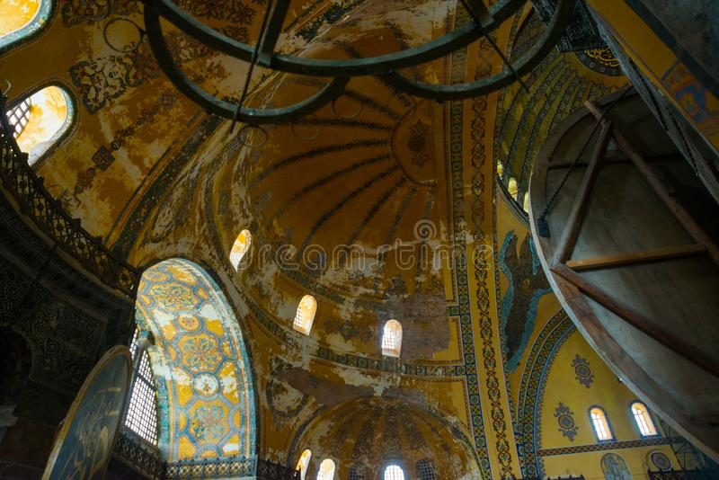 ISTAMBUL, TURQUIA: Interior de Hagia Sophia Hagia Sophia é o grande monumento da cultura bizantina fotos de stock royalty free
