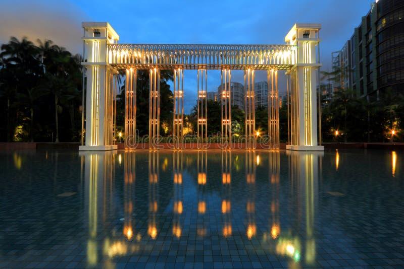 Istana parkerar, festivalbågen, Singapore royaltyfri fotografi