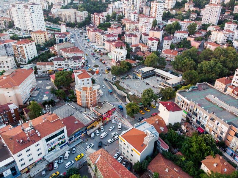 Istanboel, Turkije - Februari 23, 2018: Luchthommelmening van Ongeplande Urbanisatie Istanboel Kartal Yakacik royalty-vrije stock foto
