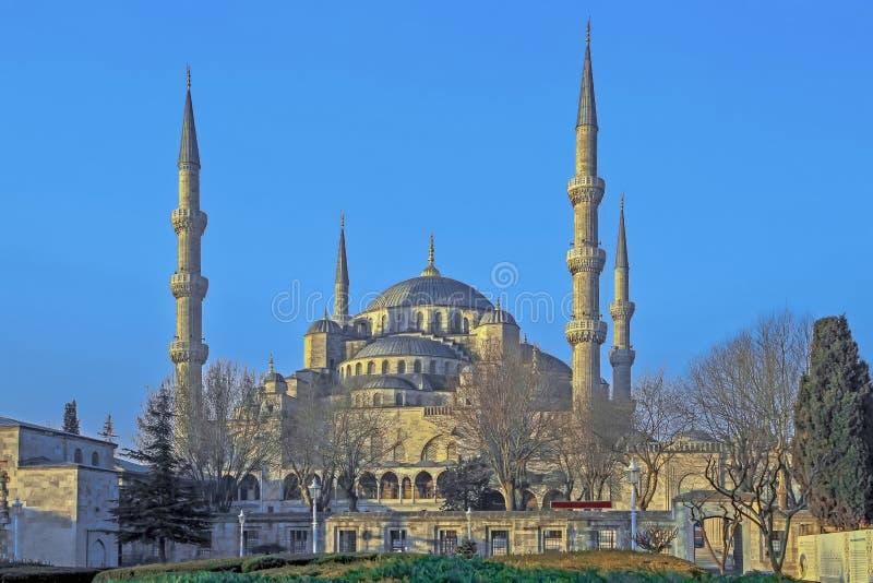 ISTANBOEL, TURKIJE - MAART 24, 2012: De Blauwe Moskee in ochtendlicht royalty-vrije stock fotografie