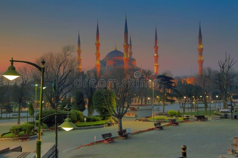 ISTANBOEL, TURKIJE - MAART 24, 2012: De Blauwe Moskee in ochtendlicht stock foto