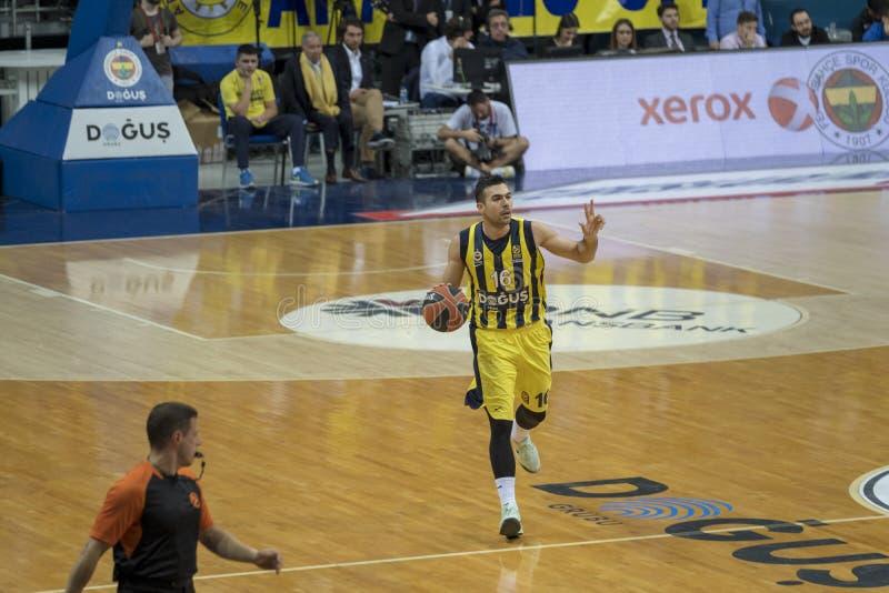 Istanboel/Turkije - Maart 20, 2018: Professionele het basketbalspeler van Kostas Sloukas voor Fenerbahce stock afbeeldingen