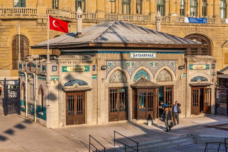 Istanboel, Turkije, 6 Oktober, 2011: De oude haven van de Ottomaneveerboot royalty-vrije stock foto