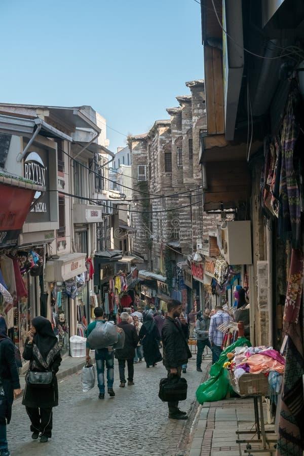 Istanbuł Turcja, Listopad, - 4, 2015: Handlować na Uroczystym bazarze w Istanbuł zdjęcia stock
