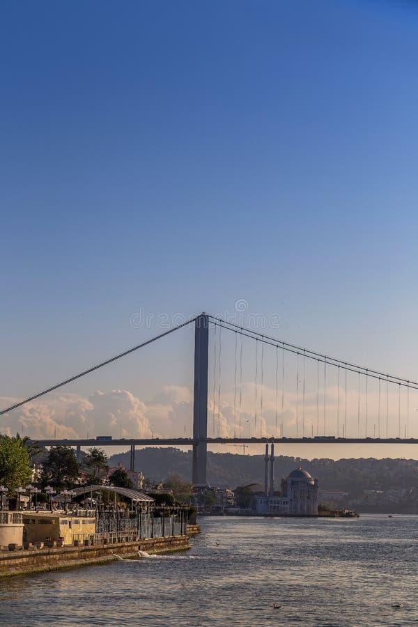 Istanbuł Turcja, OCT, - 23, 2017: Bosphorus cieśnina, Istanbuł, Turcja zdjęcia stock