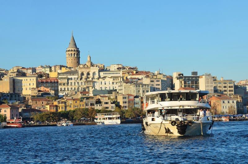 Istanbuł, Turcja, Październik, 19, 2013 Bosphorus rejsy obrazy royalty free