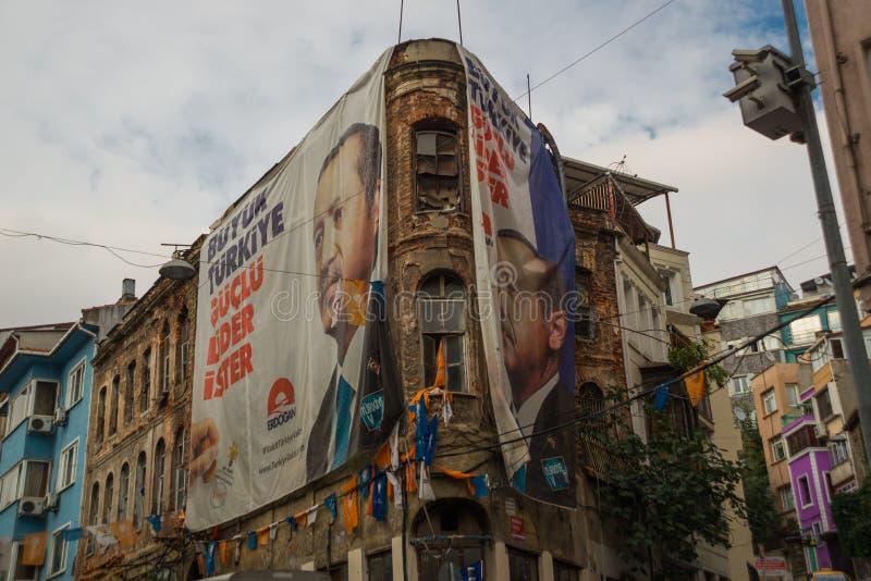 Istanbuł, Turcja: Uliczny widok od Balat okręgu starych sąsiedztw w Istanbuł z ciekawym architektonicznym stylem, i obrazy royalty free