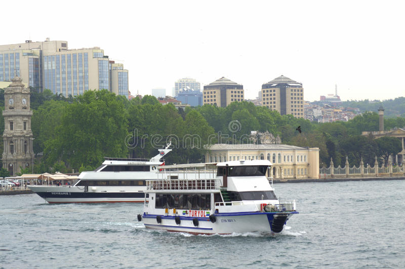 Istanbul-Anblick von Bosphorus lizenzfreie stockfotografie