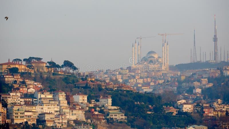 Istanbul Camlica moské eller Camlica Tepesi Camii under konstruktion Den Camlica moskén är den största moskén i den Asien minderå arkivfoton
