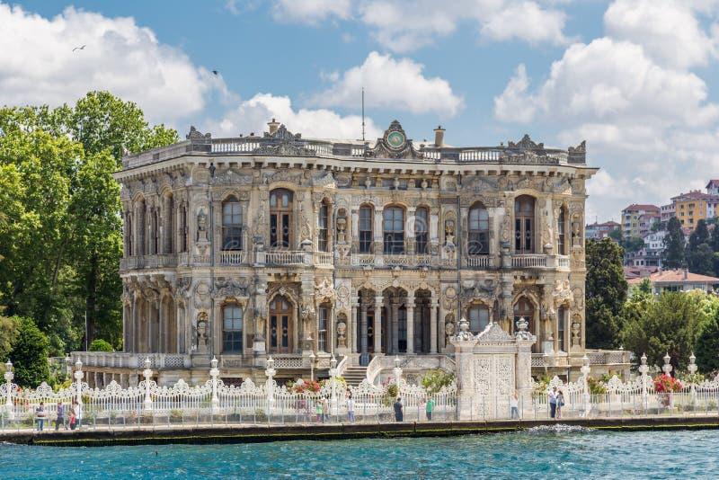 Istanbul, die Türkei, am 9. Juni 2013: Kucuksu-Pavillon lizenzfreie stockfotos