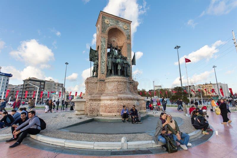 Istanbul, die Türkei Monument der Republik an Taksim-Quadrat lizenzfreie stockbilder