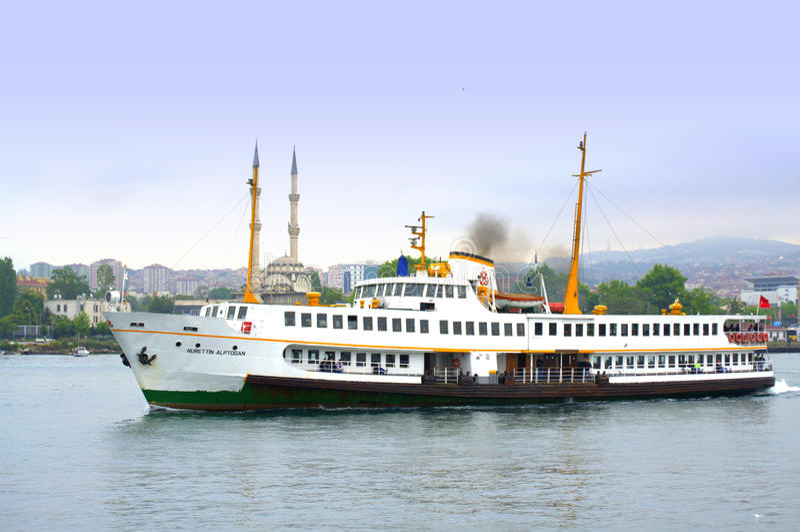 Istanbul-Fähre lizenzfreie stockbilder