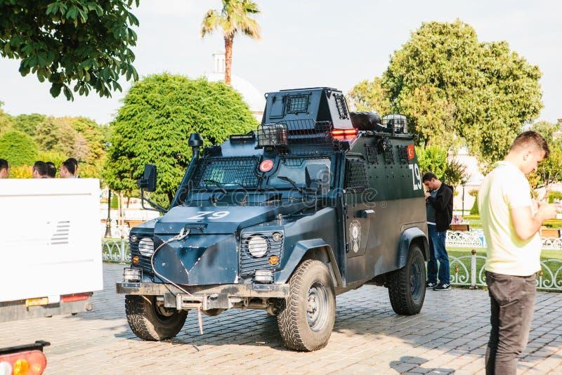 Istanbul, le 15 juillet 2017 : Véhicule militaire dans la place de Sultanahmet à Istanbul Renforcement des mesures de sécurité pe photographie stock