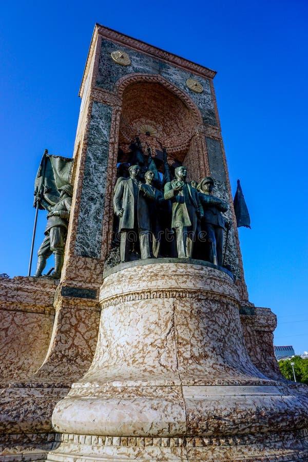 Istanbul Mustafa Kemal Ataturk sj?lvst?ndighetstaty fotografering för bildbyråer