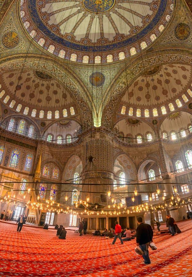 ISTANBUL - 20 NOVEMBRE : Intérieur de la mosquée bleue à Istanbul. Nove photographie stock